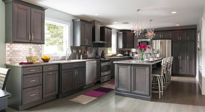Featured Image for 7 Kitchen Color Trends