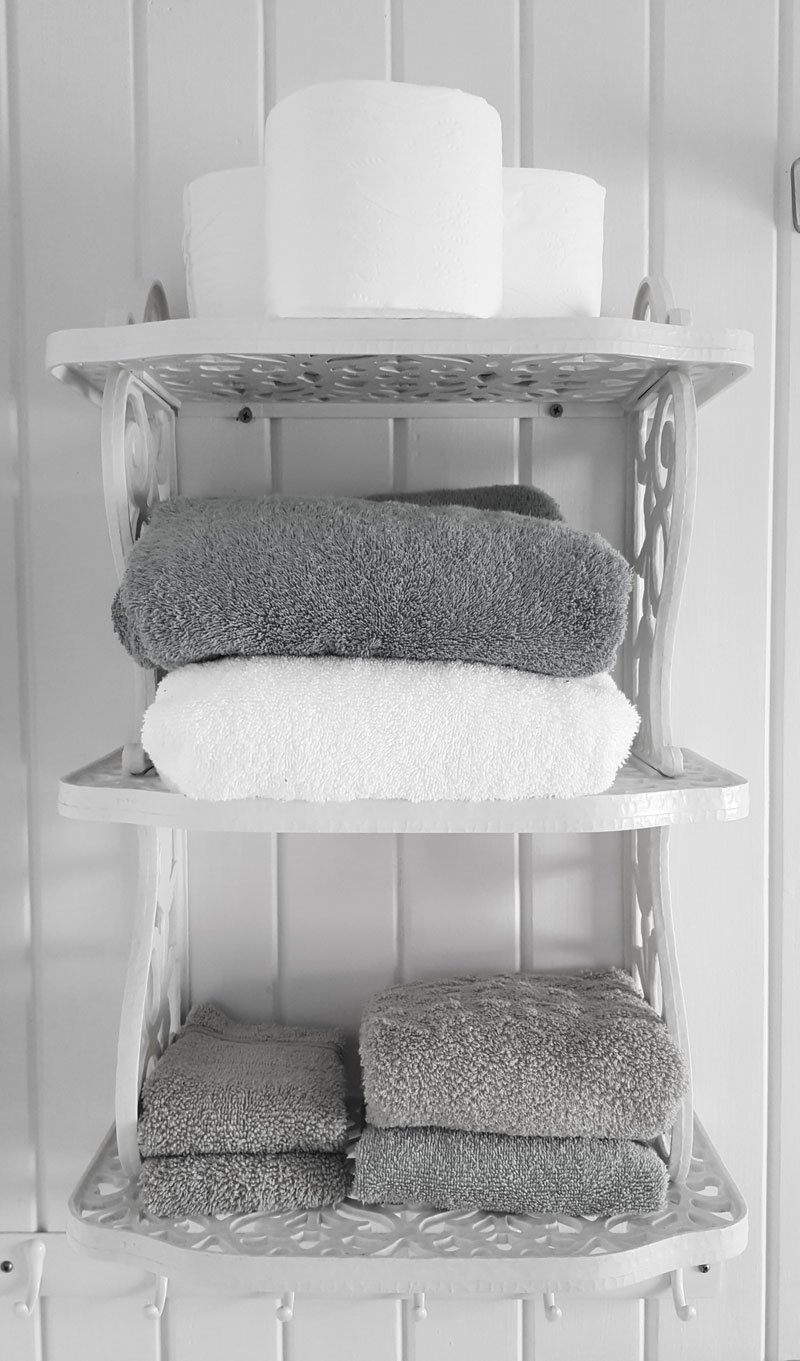 Featured Image for 5 Easy Ways to Add Bathroom Storage Without Creating an Eye-Sore